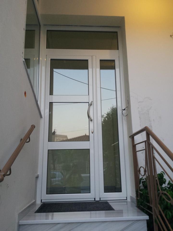 εξώπορτα αλουμινίου - κυρία είσοδος πολυκατοικίας
