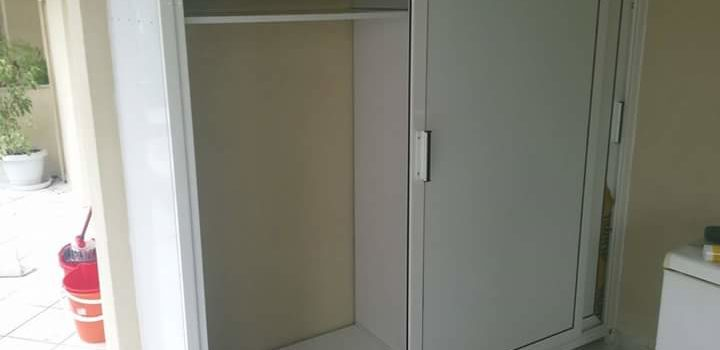 Δίφυλλη ντουλάπα αλουμινίου