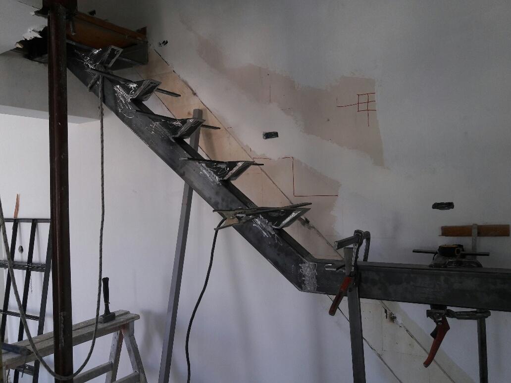 κατασκευή μεταλλικής σκάλας