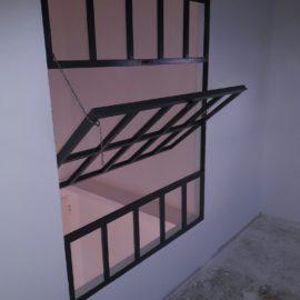 Μεταλλικό παράθυρο περιστρεφόμενο