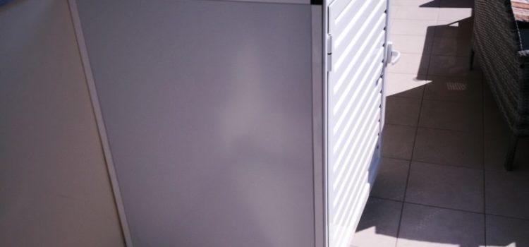 Ντουλάπι πλυντηρίου σε μπαλκόνι
